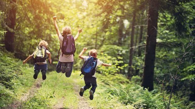 10 λόγοι που τα παιδιά πρέπει να παίζουν στη φύση!